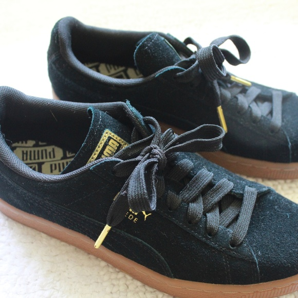 fd188fbc077 Puma Shoes - Women s Black Suede Pumas Size 8